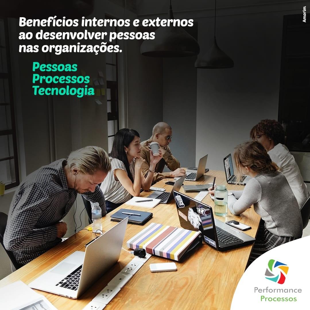 Benefícios ao desenvolver pessoas nas organizações